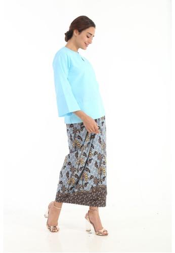 Amar Amran brown Kurung Kedah Batik Classic 6D245AA300E0DDGS_1