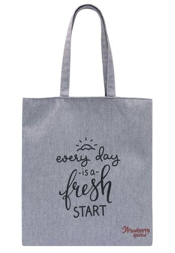 STRAWBERRY QUEEN grey Zipper Canvas Tote Bag (Grey Z) 1F8F7AC6E00BB7GS_1