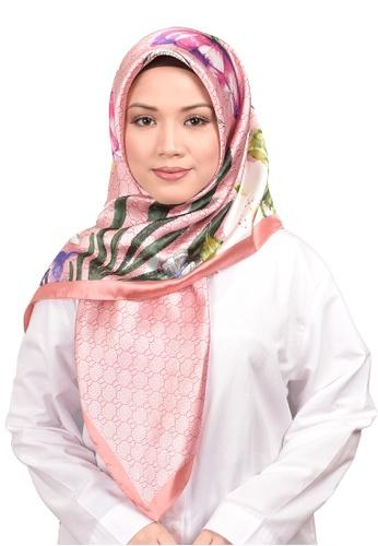 FATIMÉ multi Satin Square Hijab Gucci (Pink) 540E3AAFDC92E8GS_1