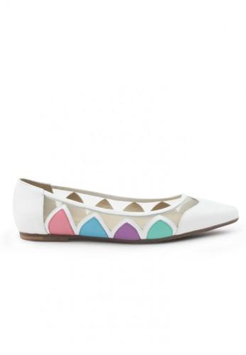 Shu Talk white Nappa Pointed Toe Flats SH397SH0FPK9SG_1