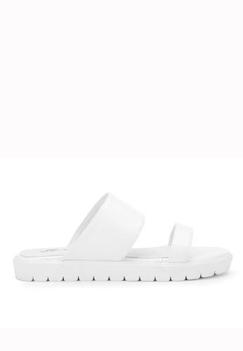 KissXXX 白色 夏季舒適感休閒純色一字平底日常拖鞋 KI603SH09KDFTW_1