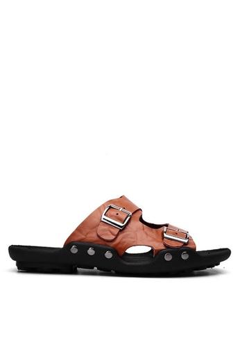 Twenty Eight Shoes 褐色 雙扣壓紋牛皮拖鞋 VMS1018 5E135SH36AF714GS_1