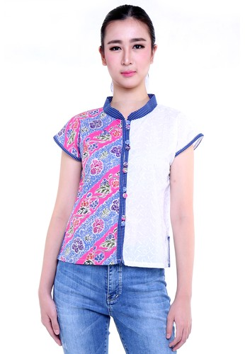 DhieVine Batik white and pink and multi Carnation Encim Pink Batik Blouse 51217AAE8A2A60GS_1