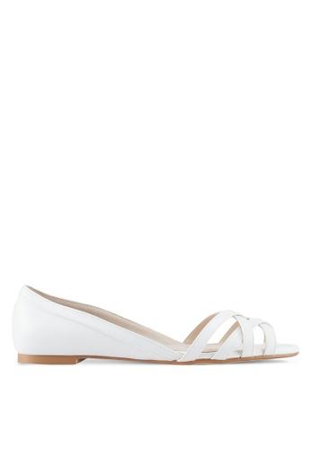ZALORA 白色 多帶平底涼鞋 7D93ESH995FB58GS_1