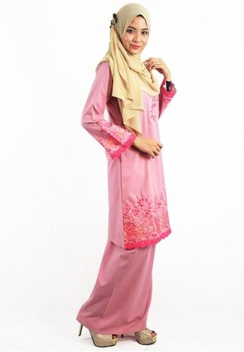Denai Boutique pink Baju Kurung Afeeya 2B67BAA500A62FGS_1