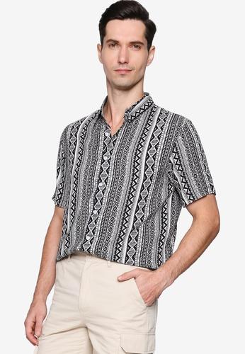 ZALORA BASICS black Relaxed Resort Short Sleeve Shirt F373BAA3945DA2GS_1