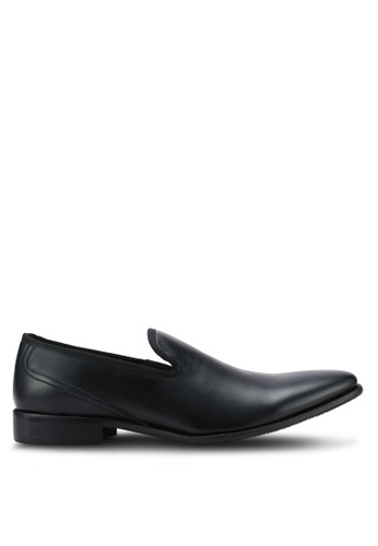 ZALORA black Essential Faux Leather Slip On Dress Shoes 73CBBAA3EE5514GS_1