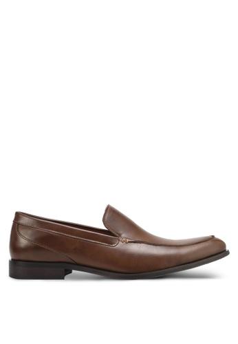 ZALORA brown Faux Leather Slip On Dress Shoes E8D15SHFEE4201GS_1