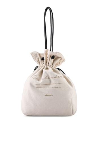 niko and ... white Embroidered Tote Bag 35E27AC409B45BGS_1