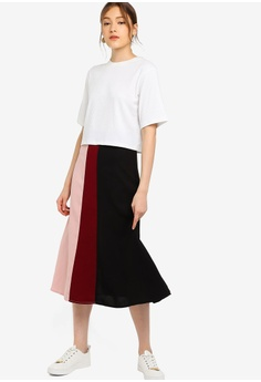 631eeeb1c 30% OFF ZALORA BASICS Basic Colourblock Midi Skirt HK$ 199.00 NOW HK$  138.90 Sizes XS S M L XL