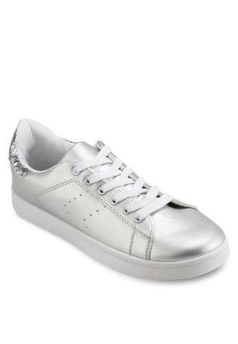 閃飾沖孔繫帶運動鞋、 女鞋、 鞋MISSGUIDED閃飾沖孔繫帶運動鞋最新折價