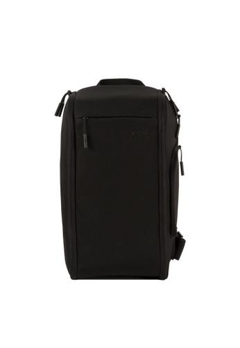 Incase black Incase INCP300218-BLK Camera Sling Pack - Black C8530ACFD072E0GS_1