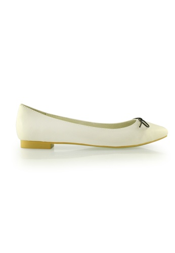 Gripz white Minimal Lace Up Lamb Pointed Toe Flats GR357SH76PHRSG_1