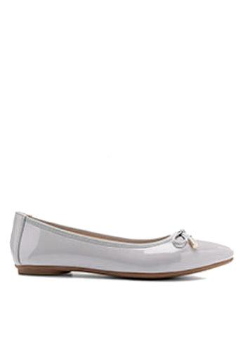 Twenty Eight Shoes 灰色 金屬裝飾蝴蝶結平底鞋 VL102878 82D7DSHC907AEFGS_1