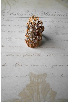 Queen Isabella Cocktail Ring (White)