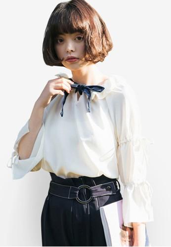 Shopsfashion white Tie A Bow Flare Sleeve Blouse 9C147AA8C31FE3GS_1