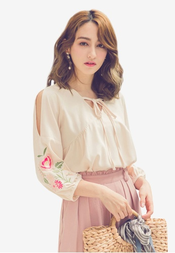 Yoco beige Embroidered Floral Sleeved Blouse E588BAAAB0780EGS_1