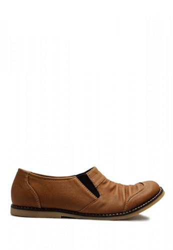 D-Island brown D-Island Shoes Women Wrinkle Slip On Leather Soft Brown DI594SH88IBFID_1