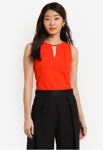 ZALORA orange Essential V Neck Detail Fitted Top DE5F6ZZE513B82GS_1