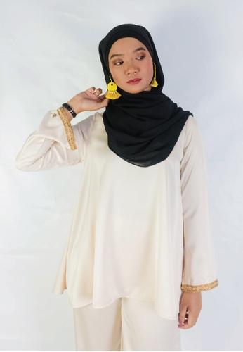 Zaryluq beige Lush Babydoll Top in Ivory White FEE5AAA5E0AE08GS_1
