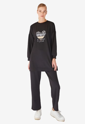 Trendyol black Printed Sweatshirt Tracksuit Set D9944AA8D294C0GS_1