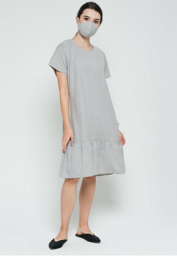 TOUGO grey Saline Loungewear Set with Scrunchie and Cotton Mask in Grey (Baju Tidur / Piyama / Pajamas) 736B6AA0175B5AGS_1