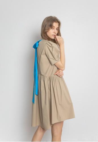 TAV beige [Korean Designer Brand] Back Ribbon Dress - Beige 80B60AA363677BGS_1