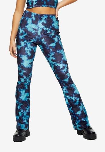 TOPSHOP blue PETITE Blue Tie Dye Velvet Flare Trousers B4331AA8BBE108GS_1