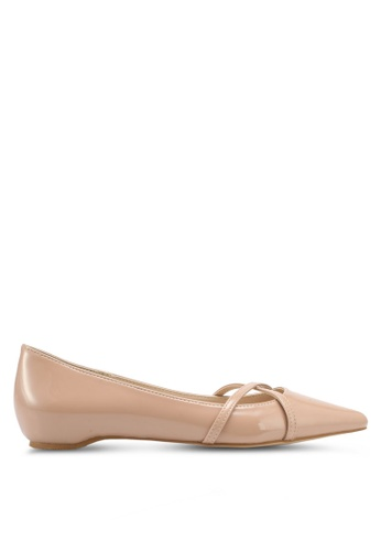 ZALORA beige Criss-Cross Ballet Flats B5E5FSH2E376FCGS_1