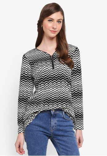 TOPGIRL black V-Neck Printed Blouse with Zip 963E4AAAA6C4D6GS_1