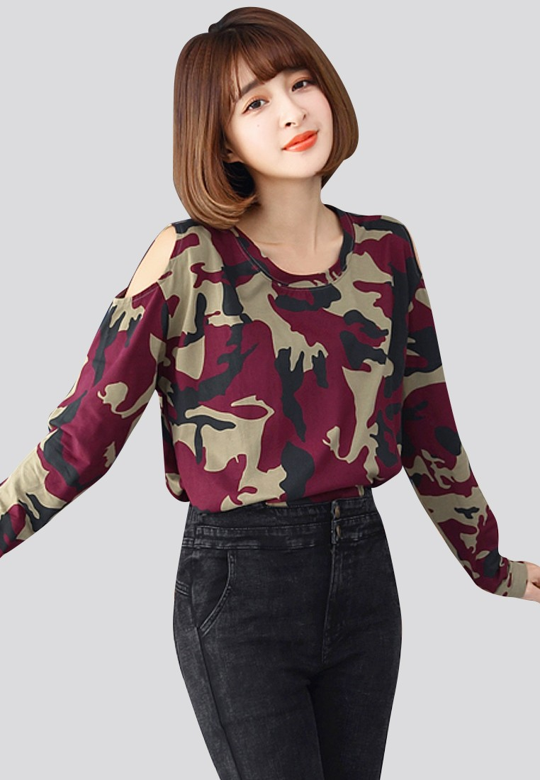 Camo Attraction Basic Pullover