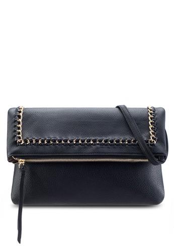 鍊飾反折鵝卵紋手拿包、 包、 包Unisa鍊飾反折鵝卵紋手拿包最新折價