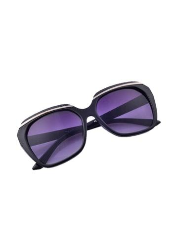 9140640a0d9 Shop Greatvalueplus Newyork Army KD9570 Oval oversized WayFarer Sunglasses  - Frame