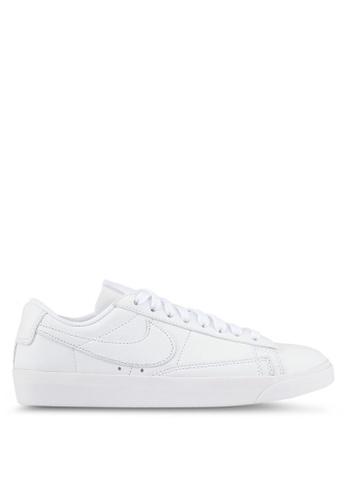 Nike white Women's Nike Blazer Low LE Basketball Shoes NI126SH0SHGKMY_1
