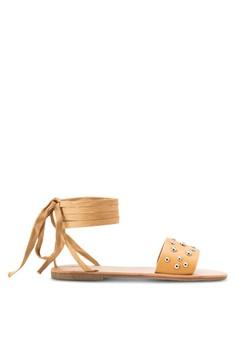 【ZALORA】 鉚釘飾繞踝繫帶平底涼鞋