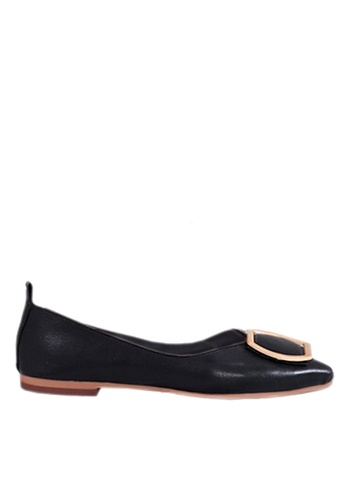 Twenty Eight Shoes 黑色 簡約圏扣平底鞋 VL90281 D3066SHB660E50GS_1