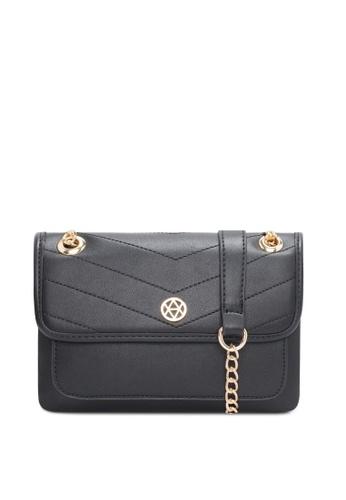 VINCCI black Shoulder Bag C846BAC4780ED2GS_1