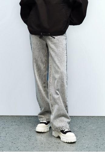 Urban Revivo grey Unisex Straight Leg Jeans 5AED7AA70907B6GS_1