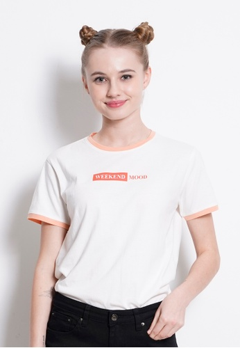 Fave white Short Sleeve Graphic Tee 4C9D4AA5D594C0GS_1