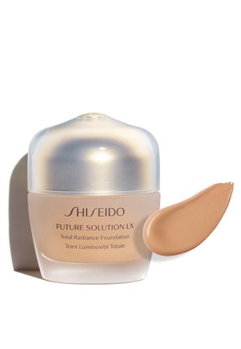 Shiseido beige Future Solution LX Total Radiance Foundation E, G3 6F1E5BE5019F95GS_1