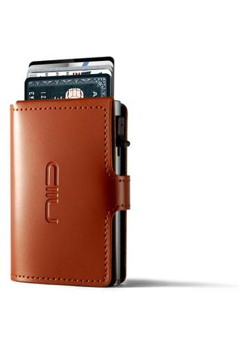 NIID brown Anti Scratch ‧RFID‧Automatic Leather Mini Wallet - Camel 0B62DACC03882EGS_1