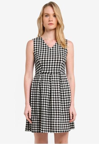 ZALORA black Essential V Neck Fit & Flare Dress D08B2ZZ08C10FAGS_1