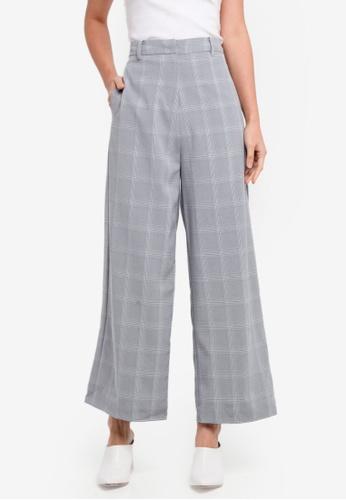 ZALORA black High Waist Wide Legged Pants CDCFAAAB21F6C9GS_1