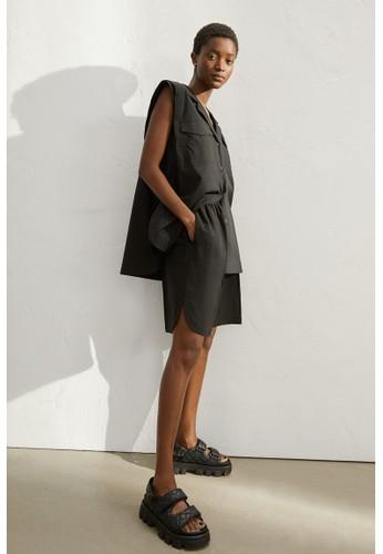 H&M black Lyocell-blend Bermuda shorts 50B65AA42BC51EGS_1