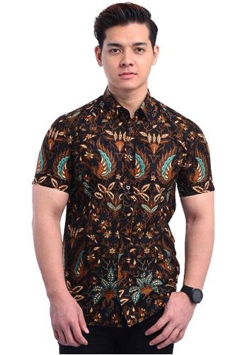 UA BOUTIQUE black Short Sleeve Shirt Batik UASSB80-013 (Black/ Green) 2A9C8AAA3239D5GS_1