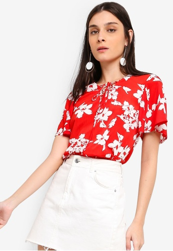 ZALORA white and red Boxy Top With Flare Sleeves D0B50AA65D801DGS_1