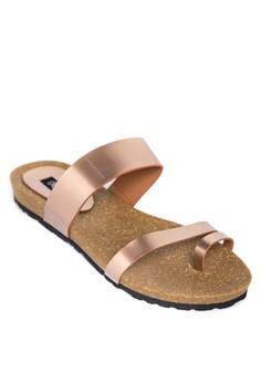 Metallic Toe Ring Flat Sandals