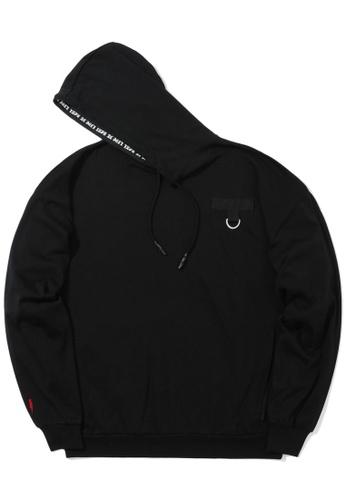 izzue black D-ring detail hoodie 7ADEAAA7149940GS_1