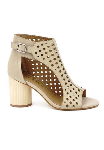OSCAR & MAYA beige NAPLES 8cm High Block Heel Laser Cut Heels OS304SH05GLMHK_1
