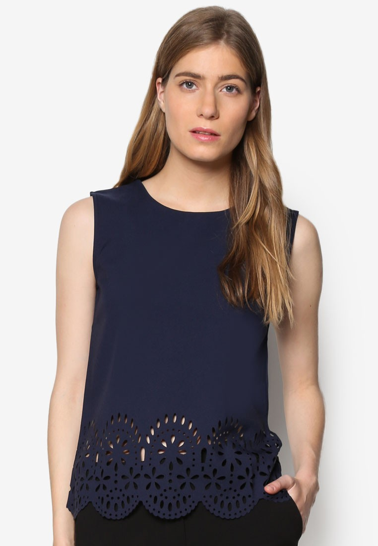 Daisys Perforated Flower Top